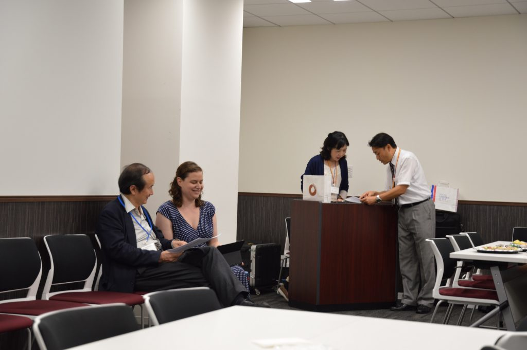 Conferring with Dr. Inoue before my speech at the LAM Forum meeting in Tokyo