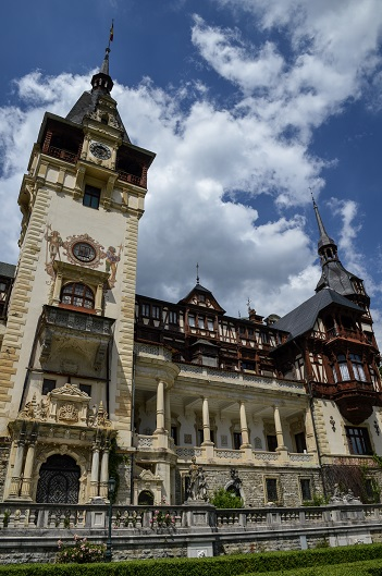 Day trip from Brasov to Peles Castle in Sinaia, Romania